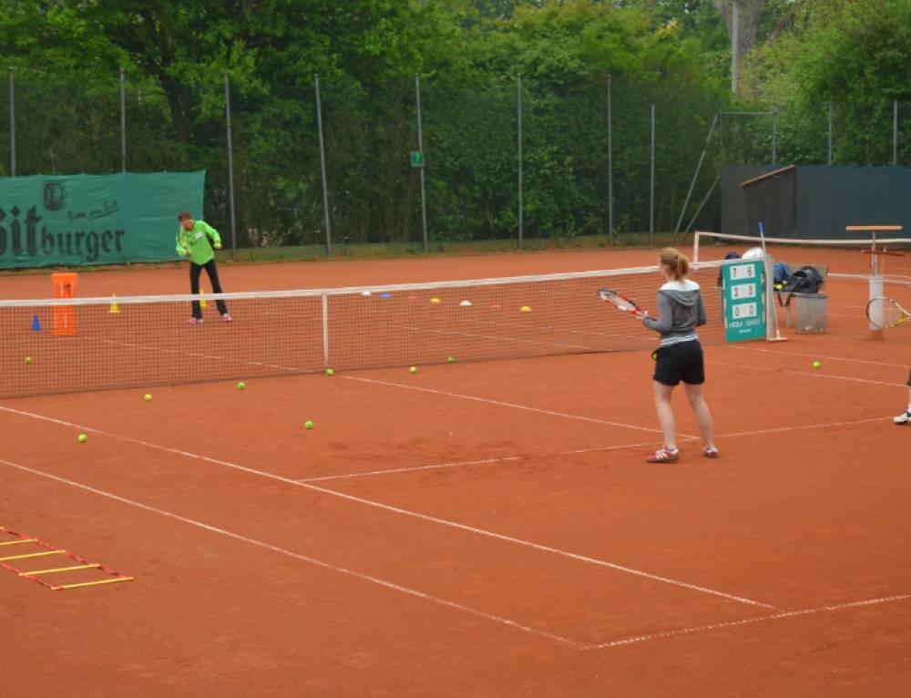 """Saisoneröffnung und """"Deutschland spielt Tennis"""" am 22. April"""